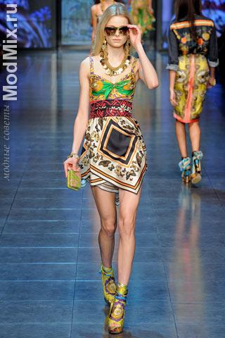 Юбка, топ, обувь, аксессуары из модной коллекции D&G