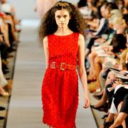 Красное платье от Oscar de la Renta