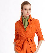 Куртка, брюки и платок из модной коллекции Ralph Lauren. Сочетание зеленого с оранжевым и бежевым