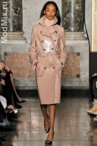 Кожаный плащ из модной коллекции Emilio Pucci
