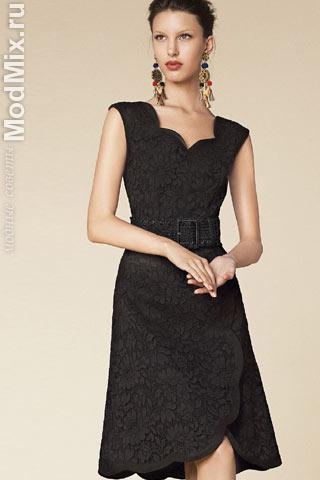 Кружевное маленькое черное платье