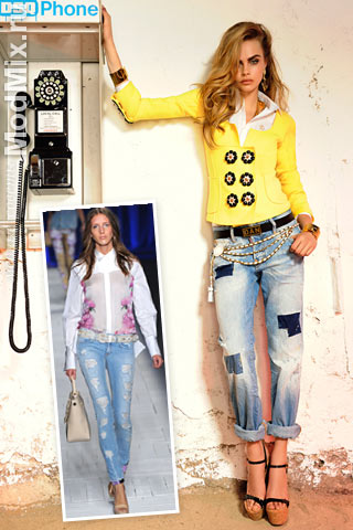Потертые джинсы модно сочетать с романтическим верхом