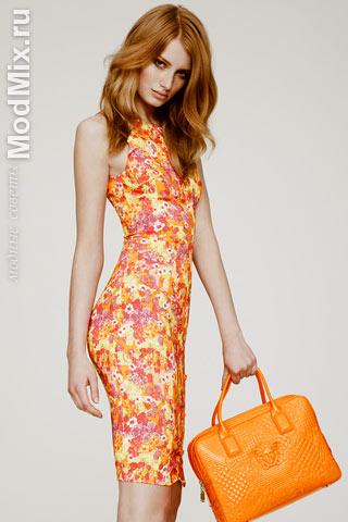 Платье в цветочек из коллекции Versace