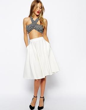 Белая юбка солнце до колена