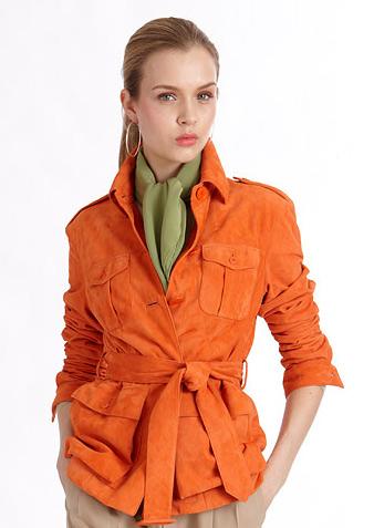Смотрите, с чем носить оранжевую куртку